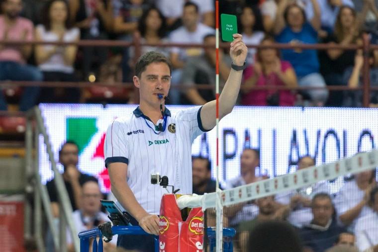 В Италии впервые была показана зелёная карточка