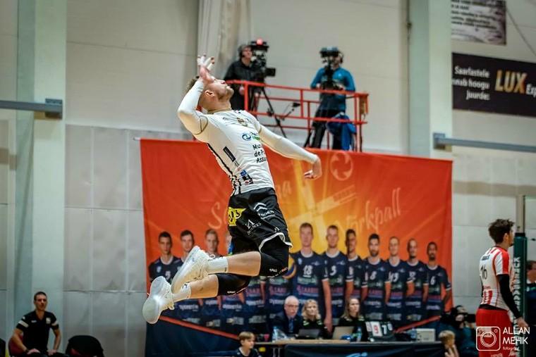 #нашиукраинцы - таблица переходов украинских волейболистов в иностранные чемпионаты. Сезон 2018\19