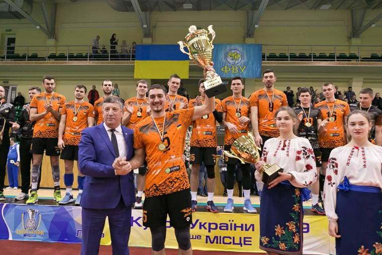 """Барком-Кажани та Михайло Мельник """"Барком"""" отримав нагороди першого Форуму ігрових видів спорту"""