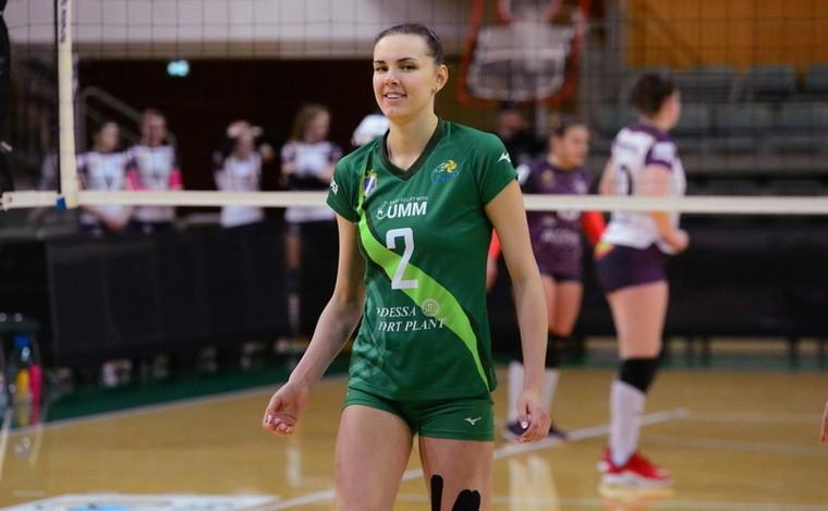 """Диана Карпец Диана КАРПЕЦ: """"Уверена, запорожские волейболистки продолжат бороться"""""""