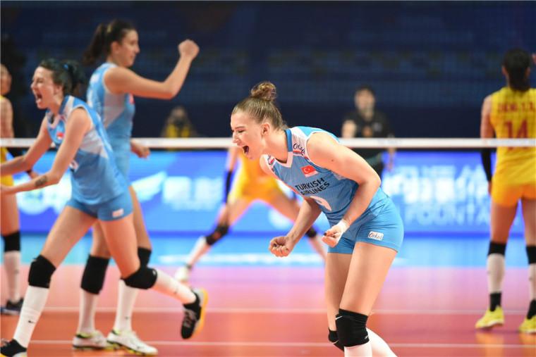 Меліха Ісмаілоглу Волейболістка з Туреччини не зіграє в кваліфікації ОІ через помилку в документах