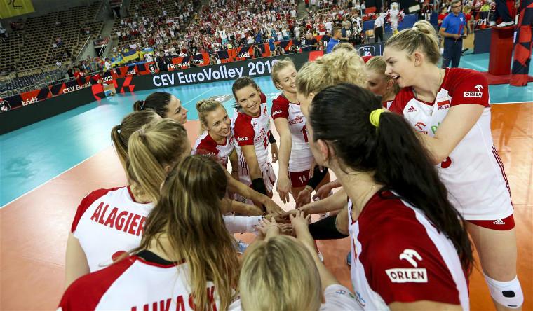 Жіноча збірна Польщі 7 команд забезпечили собі місця в плей-офф ЧЄ