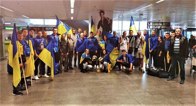 Збірна України Як в Борисполі зустрічали збірну України (ВІДЕО)