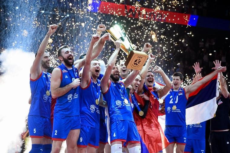 """Сборная Сербии Ковач привёл Сербию к """"золоту"""" Евро. Он возглавил команду всего месяц назад"""