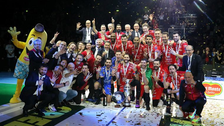 "Чивітанова ""Чивітанова"" завоювала Кубок Італії. Хуанторена - MVP"