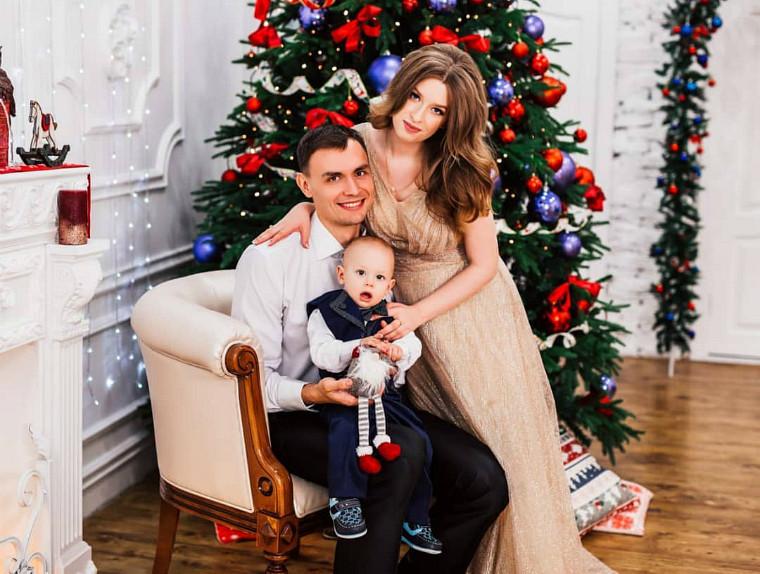 Сергій Токарев з родиною Український волейболіст Сергій Токарев потребує допомоги