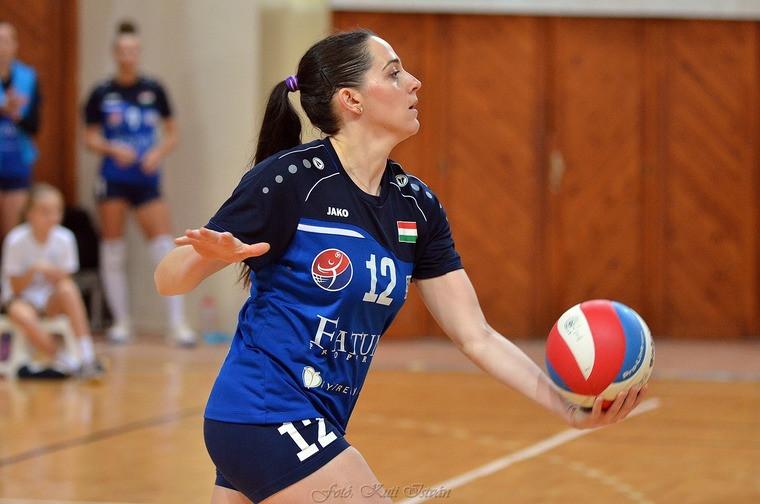 Олена Лимарева-Флінк Українська нападниця Лимарева-Флінк стала гравцем французької команди