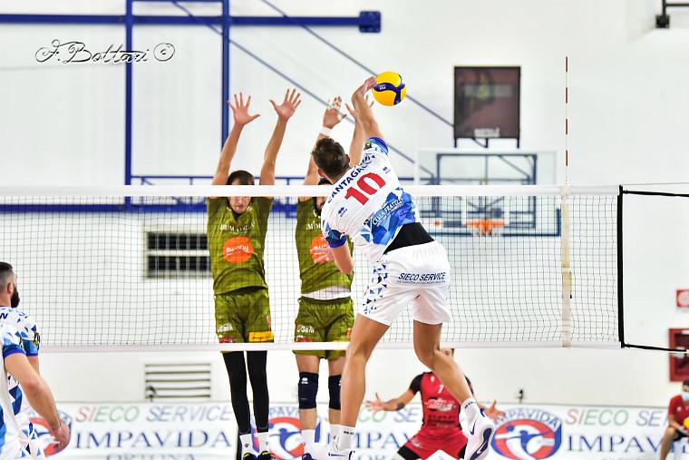 Дієго Кантагаллі Кантагаллі набрав 46 очок за матч, встановивши італійський рекорд