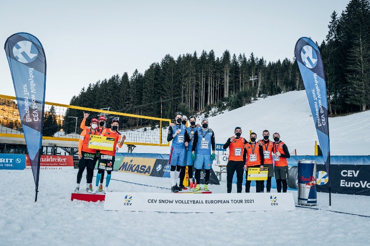 Українці завоювали бронзові нагороди європейського туру з волейболу на снігу