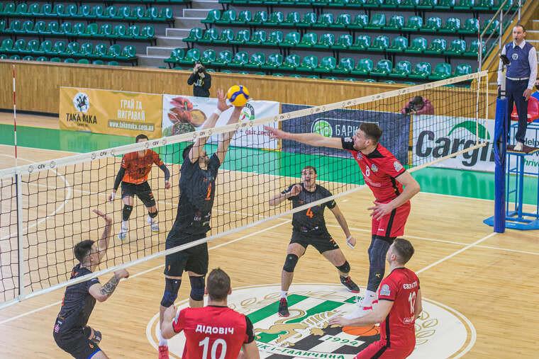 Барком-Кажани - Житичі-ПНУ Суперліга (чоловіки). 1/2 фіналу. У домашніх стінах фаворити взяли своє
